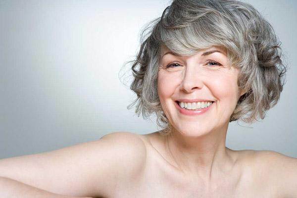 В каком возрасте начинается климакс у женщин, во сколько лет начинается менопауза? Какой нормальный средний возраст климакса у женщин России