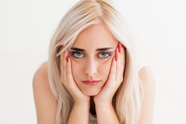 Почему при овуляции болит грудь