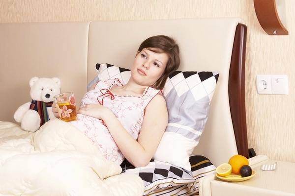 Тошнит после еды при беременности в 1 триместре